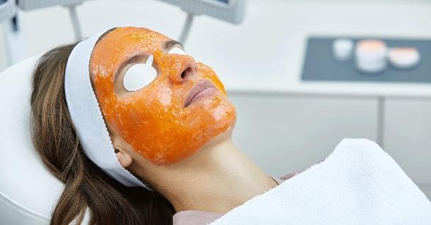 Evoluzione dei protocolli di trattamento dell'acne con terapia biofotonica. Intervista al Dott. Bordignon Matteo